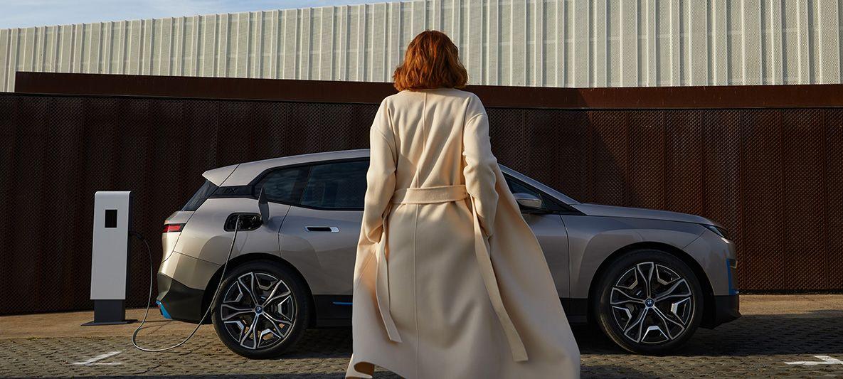 BMW iX - Laden